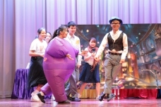 2019 English Drama – Charlie and the Chocolate Factory